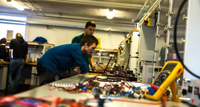 Di Sinilah Tempat Memperbaiki Alat Elekronik yang Bergaransi