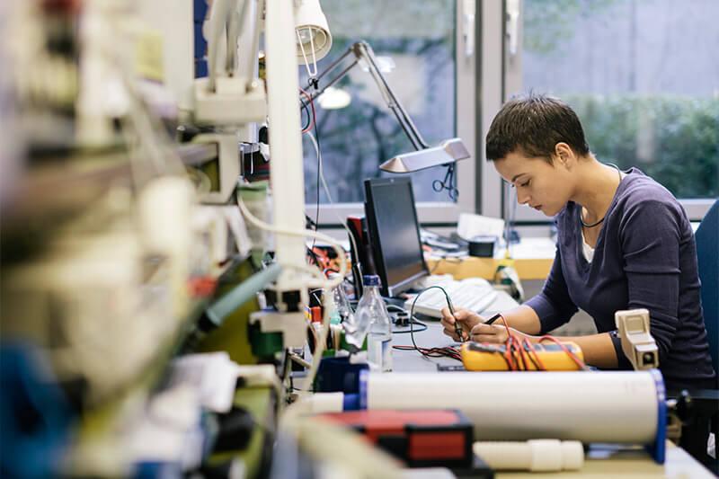 Alat Elektronik Rusak? Jasa Perbaikan Online Solusinya